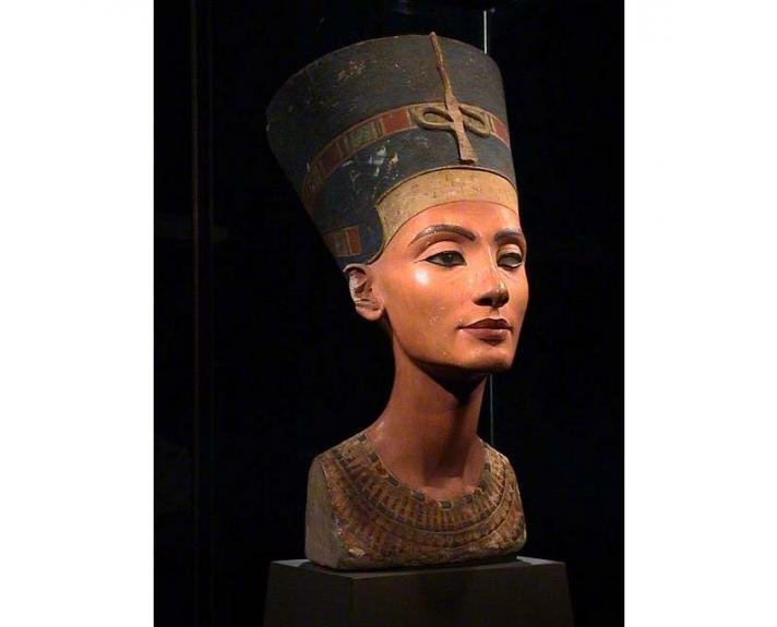 Egyptian Museum - Queen Nefertiti