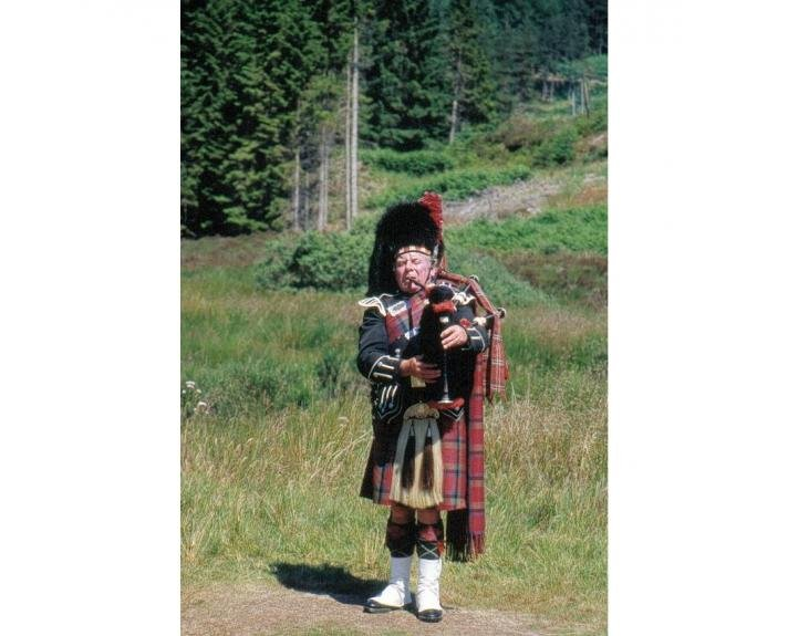 Bagpiper player